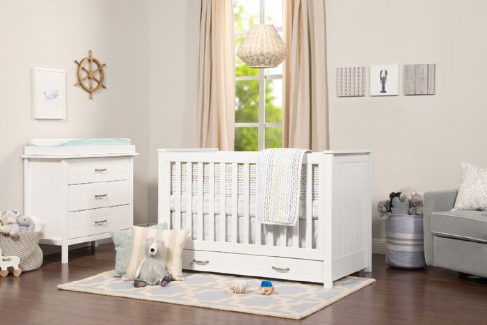 Asher 3-in-1 Convertible Crib in White by DaVinci Baby