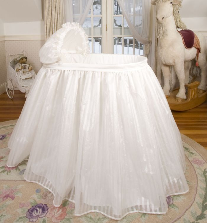 Bambini Bassinet in Dupioni Silk by Lulla Smith