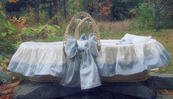 Classic Moses Basket by Lulla Smith