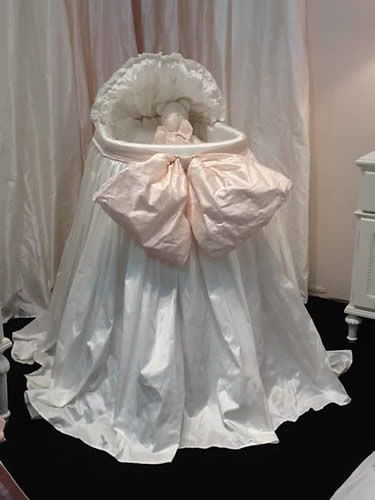 Provence Bassinet in Silk Dupioni by Lulla Smith