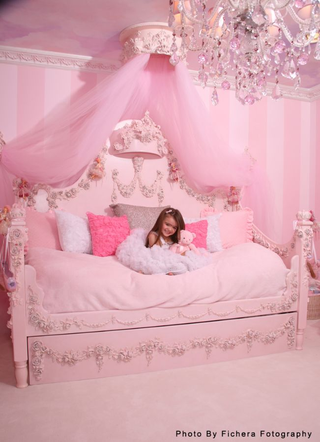 Princess Rose Day Bed by Villa Bella