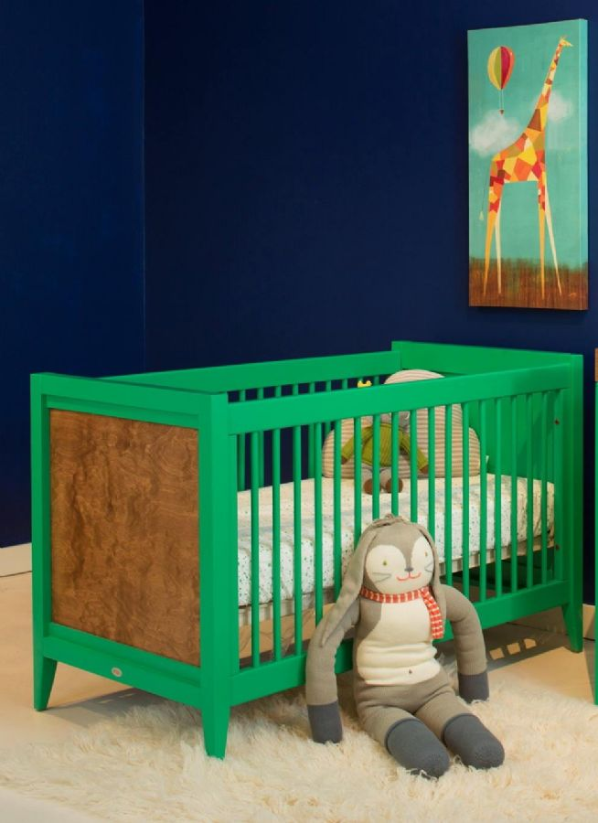 Casey Crib in Kelly Green with Caramel Stain by Newport Cottages