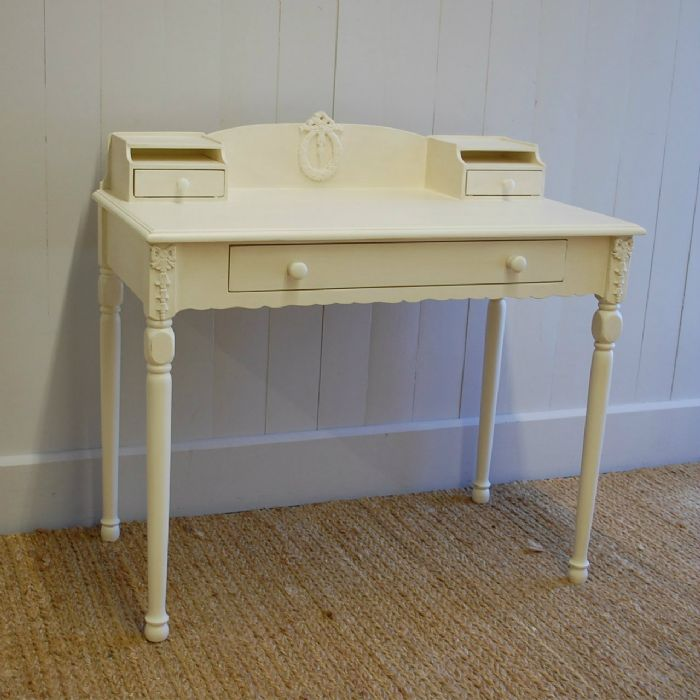 Emma's Writing Table by English Farmhouse Furniture